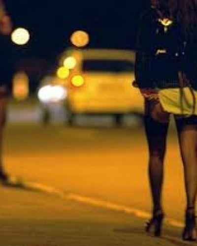 Podrían penar la demanda de prostitución en la provincia