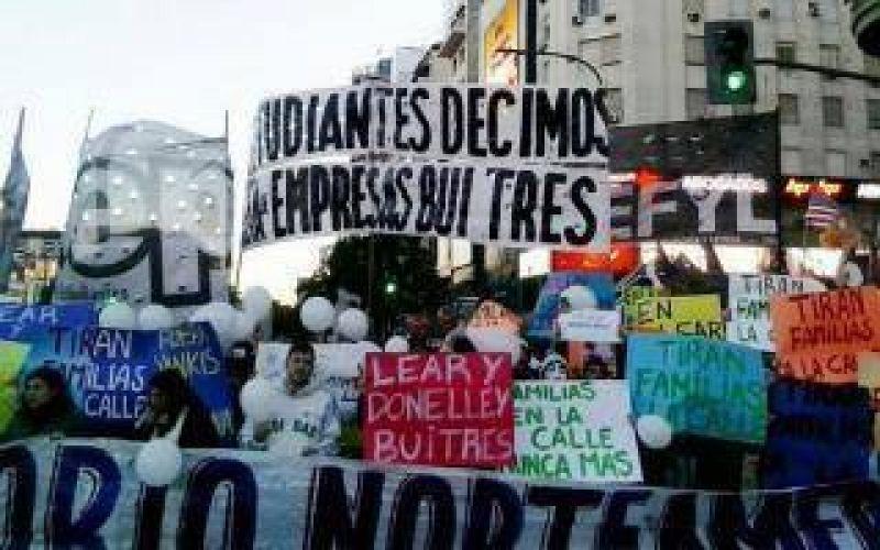 Conflicto Lear: Protesta estudiantil en Capital por los despidos en la planta de Pacheco