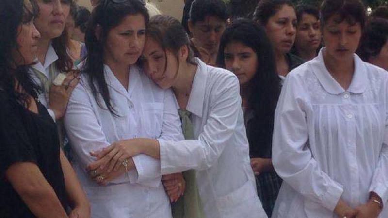 Todo un pueblo despide a los maestros de la tragedia de Santiago
