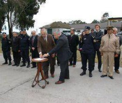 Firma del convenio para la creación de la Policía Comunal