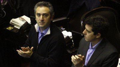 En plena negociaci�n con los holdouts, La C�mpora pide investigar la deuda externa