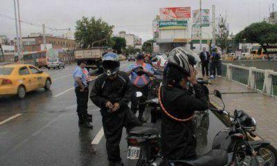 """Estudiantes universitarios, víctimas de """"motochorros"""" en el Parque de las Tejas"""