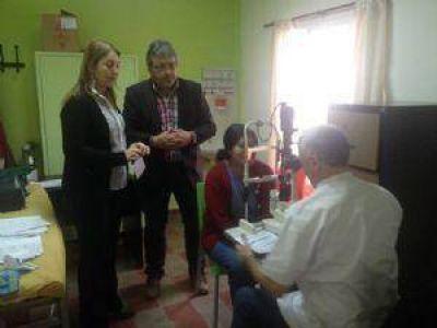 Más de 300 vecinos se efectuaron el control de prevención de glaucoma