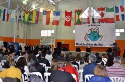 Se desarrolla en Río Grande la 13º Feria de las Colectividades Extranjeras