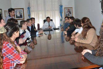 El intendente Larrañaga recibió a los estudiantes que reclaman el boleto gratuito
