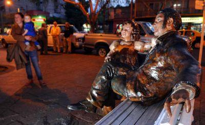Recién inaugurada, dañaron una estatua de San Martín