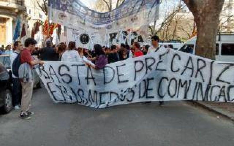Prensazo: Trabajadores de prensa bonaerense vuelven a marchar en La Plata