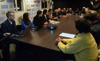 El intendente Pulti anunció que la inscripción de aspirantes a la Policía Local se abrirá en octubre