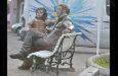 Lo negativo en los festejos del bicentenario de San Martín lo sufrió su estatua