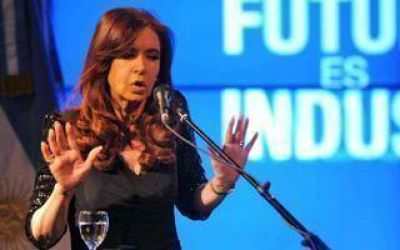 Cristina encabeza reunión por el Día de la Industria