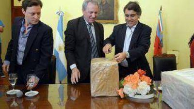 El Gobierno dotará de redes de agua al interior provincial y beneficiará a más de mil productores catamarqueños