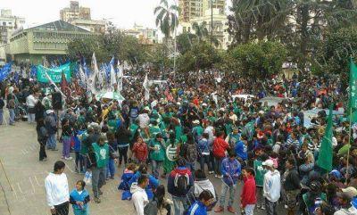 Segunda jornada del Paro de la Intersindical de Jujuy: masiva movilización contra el gobierno de un cada vez más débil y ausente Eduardo Fellner