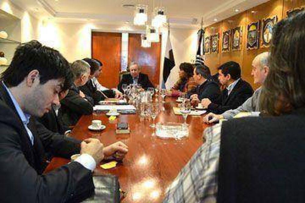 Peralta juntó a ministros y diputados con agenda abierta