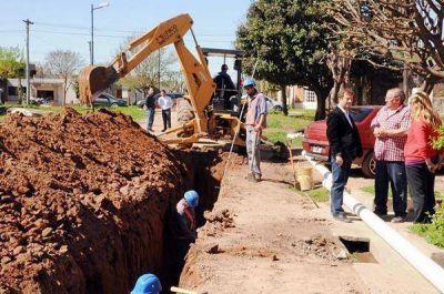 Se realiza la ampliación de la red cloacal en dos barrios de la zona sur