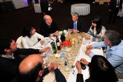 Poggi cenó con representantes de Municipios Turísticos
