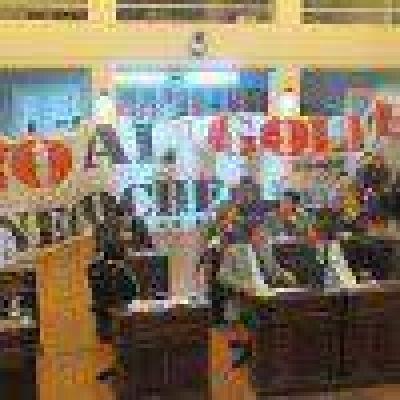 Aprobaron pedir elecciones anticipadas a Scioli