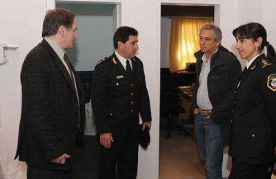 Eseverri recorrió las nuevas instalaciones de la Escuela de Policía