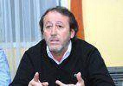 Dura respuesta del senador Patricio Garc�a al presidente del Colegio de Abogados