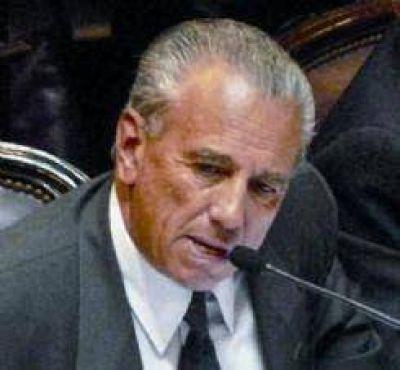 Postulan a Arturo Vera para presidir la UCR
