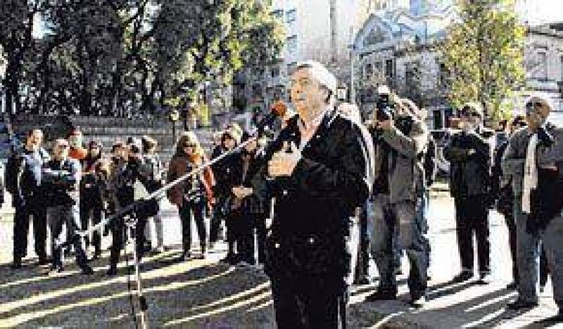 Reapareció Kirchner con críticas a Reutemann y Macri
