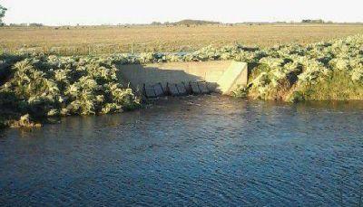 SITUACION HIDRICA: EL ESCURRIMIENTO DEL AGUA ES IMPORTANTE Y NO HAY APORTES DE CANALES TRIBUTARIOS