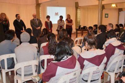 El bullying y la Secundaria fueron los ejes de debate en el Parlamento Juvenil