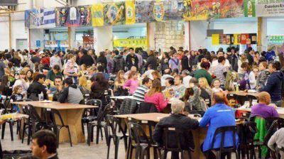 Más de 15.000 personas se deleitaron con los sabores y música de las Colectividades