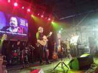 La Plata: Una multitud de vecinos festej� el aniversario 103 de Olmos