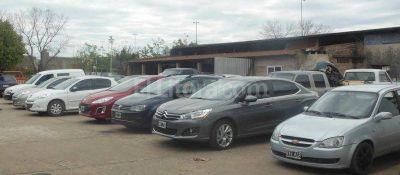 Investigan a un hombre por la presunta venta de autos robados