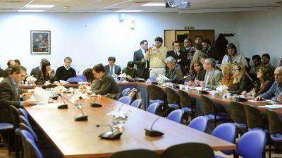 El oficialismo busca emitir dictamen para tratar Ley de Abastecimiento en Diputados