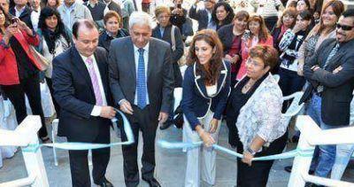 Claudia Zamora inaugur� obras de ampliaci�n en el Instituto Superior Monse�or Jorge Gottau