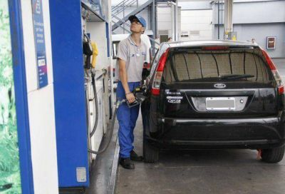 En sólo un año, los combustibles subieron en Mendoza entre un 49% y 78,9%