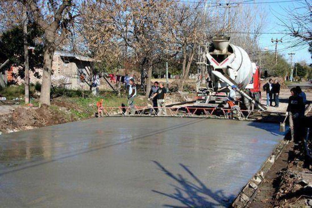 Necochea y Capilla del Señor: Continúan los trabajos de asfaltado de las calles céntricas