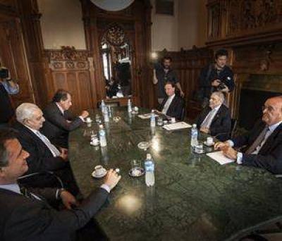 Los empresarios ir�n a la Justicia a trav�s del Grupo de los Seis