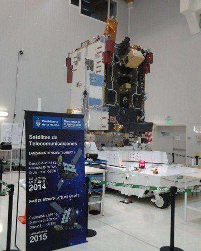 INVAP ya está haciendo ensayos con otro satélite: el ARSAT 2 que será lanzado en 2015