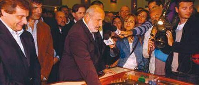 Investigan al jefe de Loter�a de Scioli por negocios en los casinos de Las Vegas