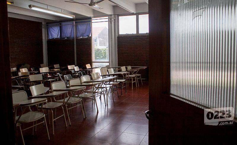 Becarios reclamarán a la Universidad una suba salarial del 50%