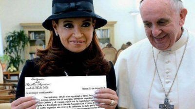Cristina partió a Roma para encontrarse con el Papa Francisco