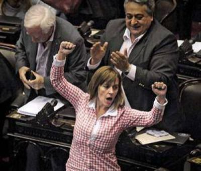 La oposici�n prometi� que si llega al poder derogar� la ley de abastecimiento