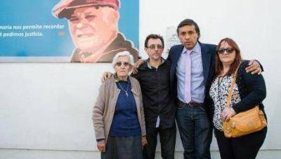 El homenaje a Julio L�pez en otro muro de La Plata