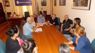 Vidal se reunió con los vecinos que ocuparon viviendas. Les aseguró que no serán desalojados