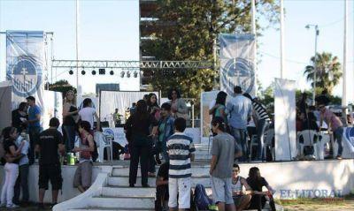 Festejo del Día del Estudiante con concientización social