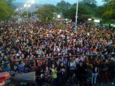 M�s de 8000 j�venes se trasladaron para festejar la primavera