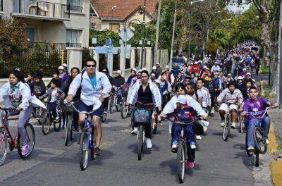 """Más de 5 mil participantes de la """"Bicicleteada Familiar 2014"""""""
