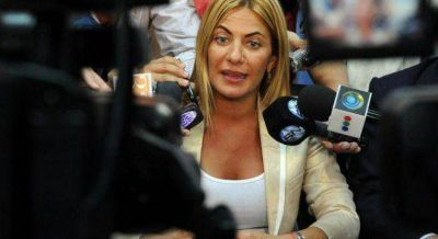 Los errores de De Lucia que complican la campaña presidencial de Scioli