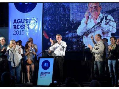 Rossi present� su precandidatura presidencial en Mendoza