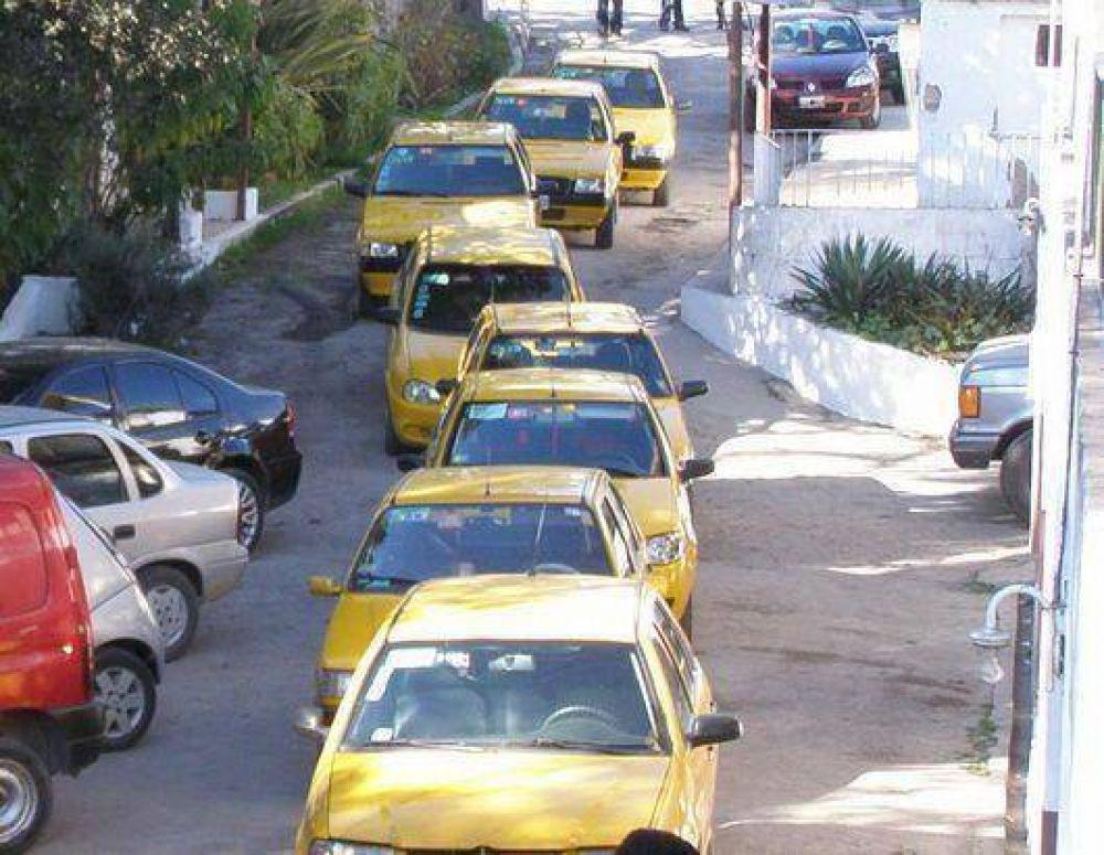 Los taxistas quieren aumentar las tarifas
