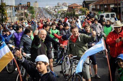 """Pulti se sumó a la bicicleteada: """"Es una verdadera fiesta de la familia marplatense"""""""