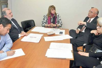 Zárate se reunió con la Comisión de Educación de la Legislatura