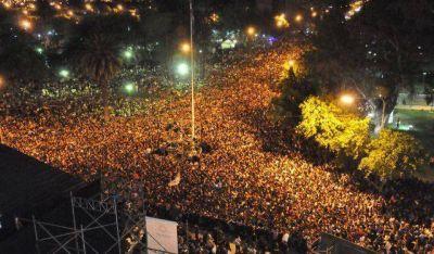Una marea joven en el Parque: más de 150.000 personas celebran el 21